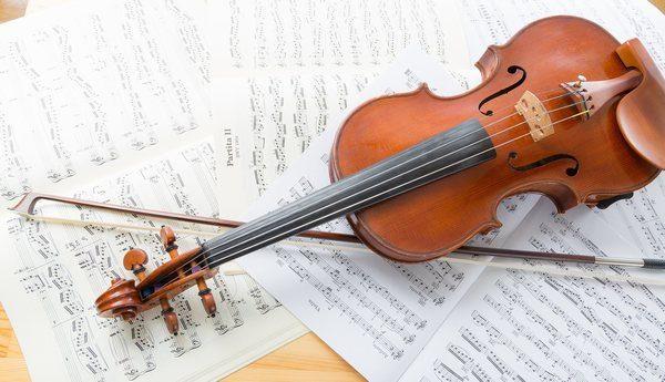 クラシックコンサートに行く特の服装