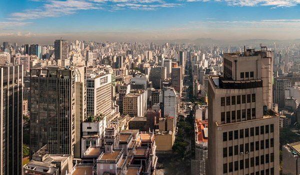 ブラジルでは赤信号での信号待ちをしない理由