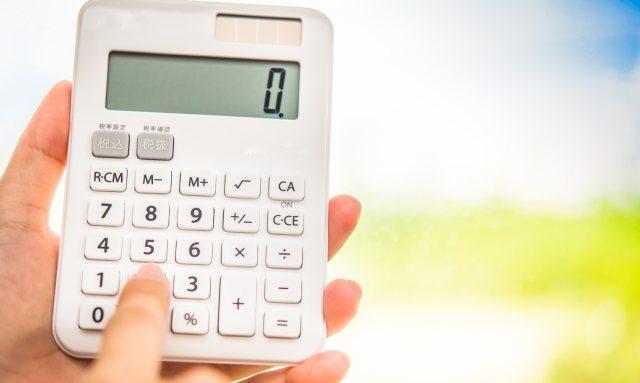 出店の時は会計のトラブル防止のために計算機を持っていく